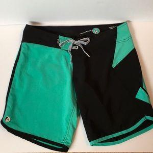Volcom Cinch Fly board shorts sea green and black